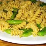 Curried Sugar Snap Pea Pasta