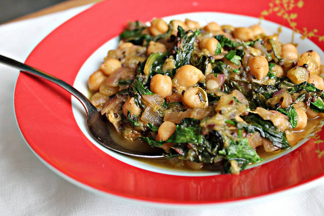 Indian-Spiced Chicken With Chickpeas And Spinach Recipes — Dishmaps