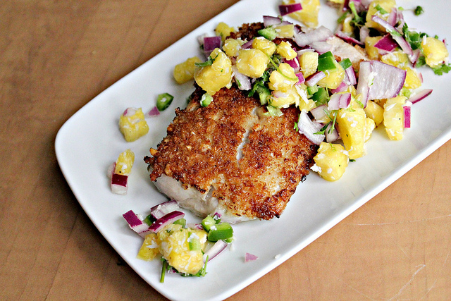 coconut macadamia nutcrusted mahimahi with tropical salsa