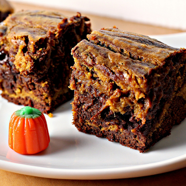 Pumpkin Swirl Brownies...and a GIVEAWAY! | Joanne Eats Well With ...