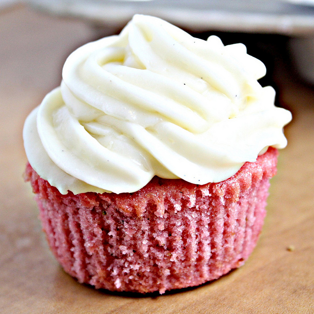 Pink Lady Cupcakes (Strawberry Cupcakes with Cream Cheese Frosting ...