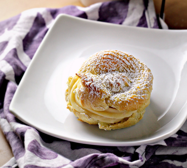 Italian Cream Puffs with Custard Filling (St. Joseph's Day Pastries)