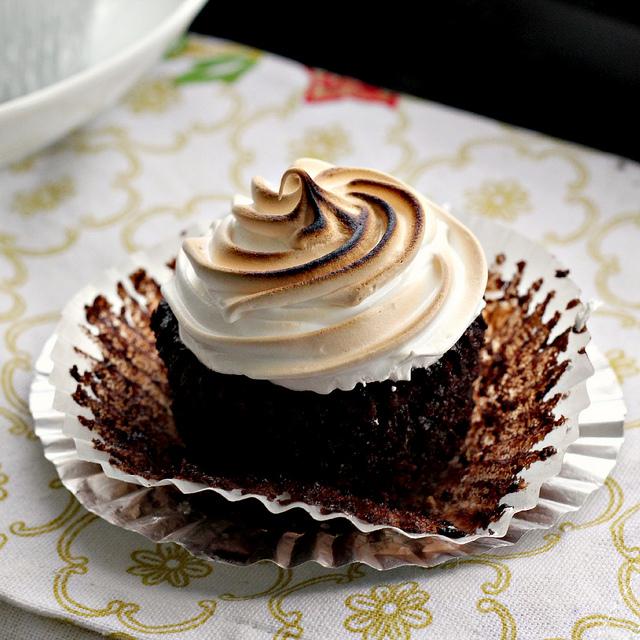 smores cupcakes