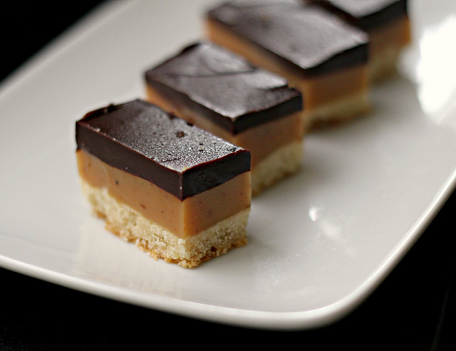 Millionaire's Bars (Salted Caramel Chocolate Shortbread Bars) | Joanne Eats Well With Others