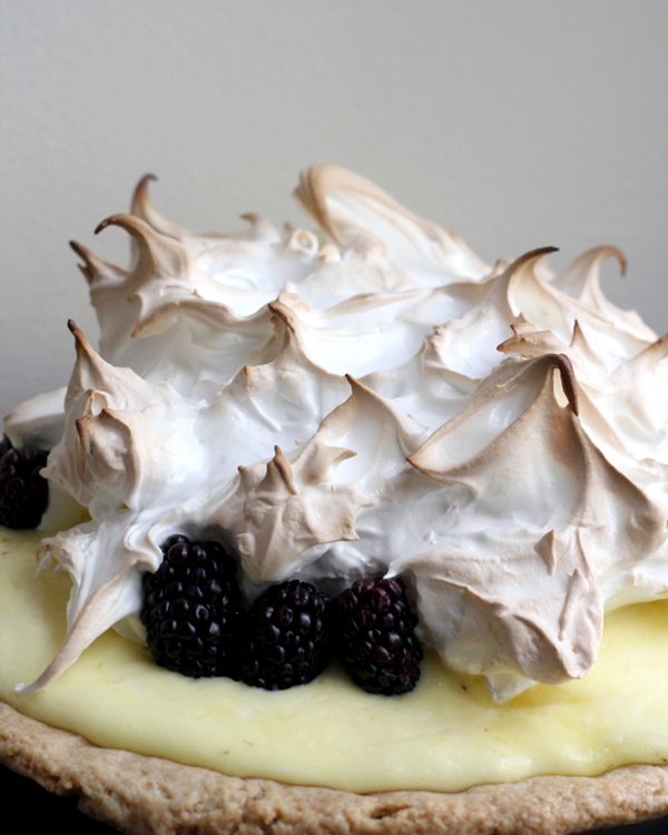 lime and blackberry meringue pie