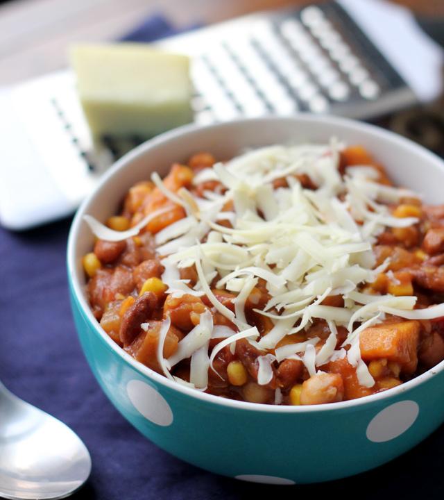 spicy three-bean and corn chili