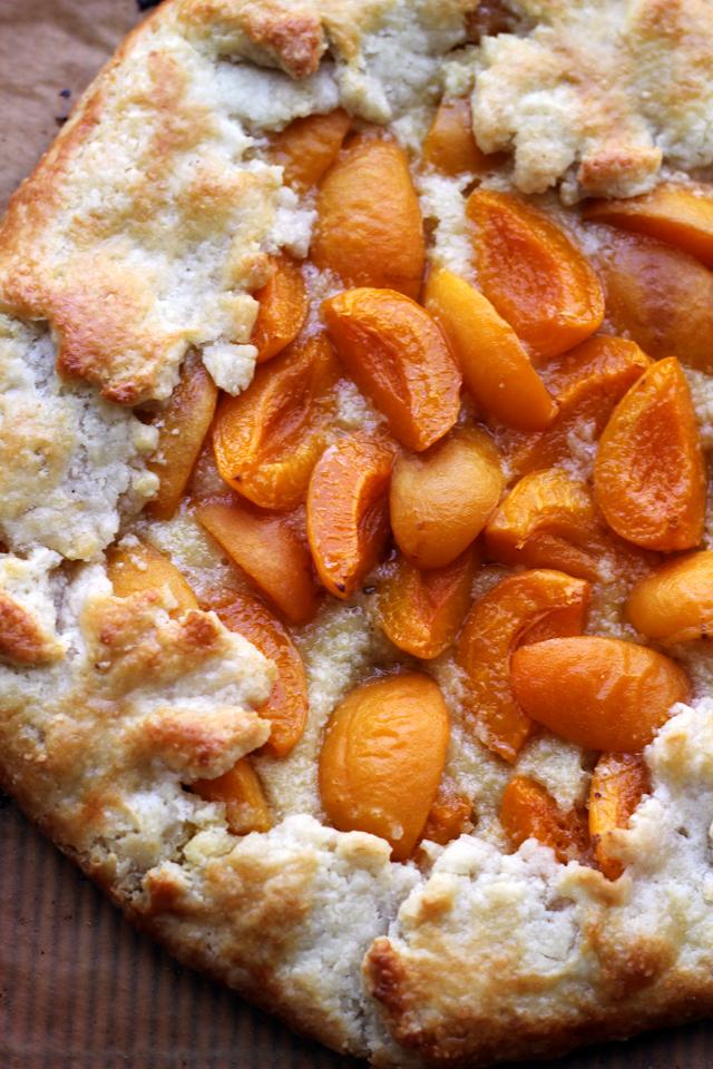 apricot frangipane galette