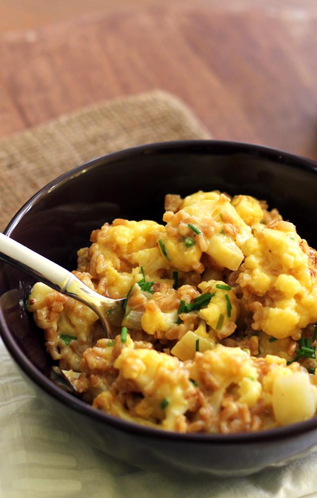 cheesy cauliflower and farro risotto