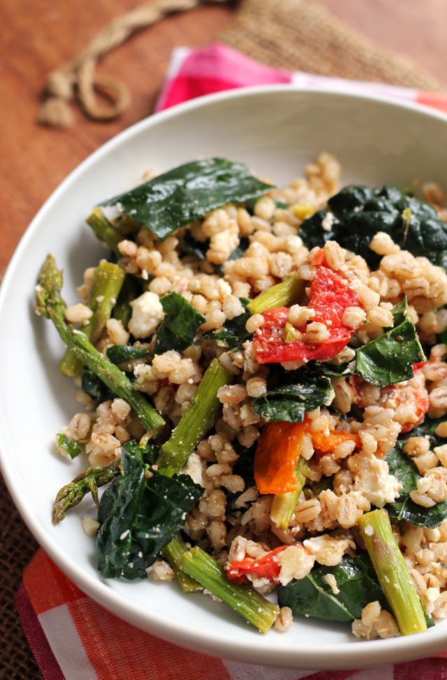 farro salad with honey-roasted tomatoes, asparagus, and kale