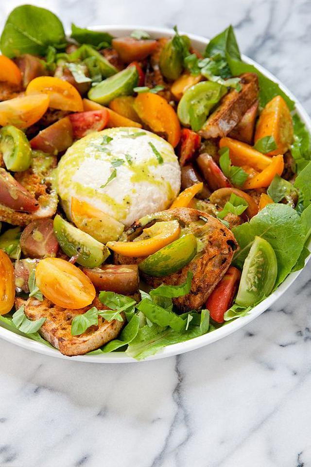 Farmer's Market Salad with Heirloom Tomatoes, Grilled Crostini, and Burrata