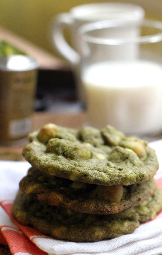 matcha white chocolate macadamia nut cookies