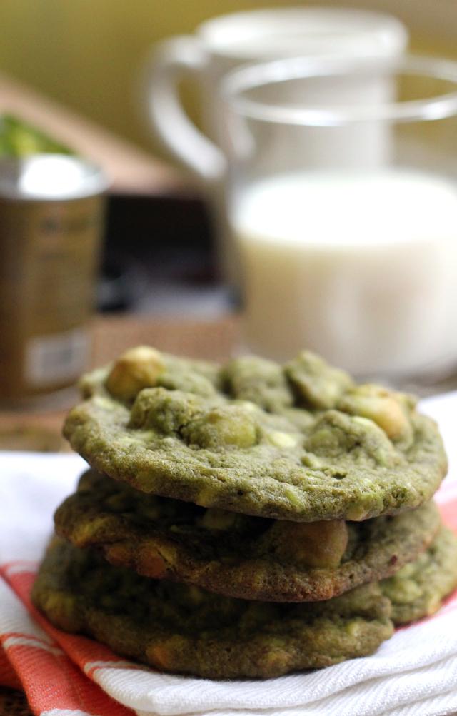 Matcha white chocolate macadamia nut cookies joanne eats for White chocolate macadamia nut cookies recipe paula deen