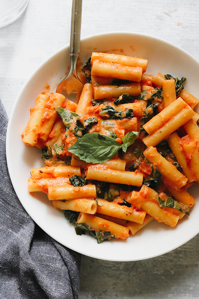 Pasta with Tomato-Basil Cream Sauce
