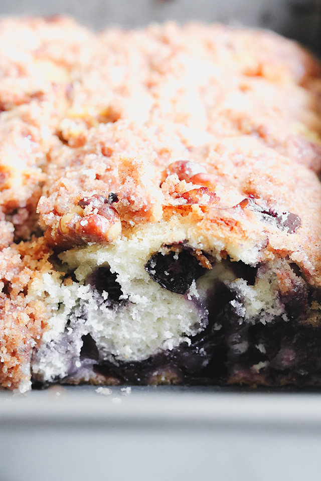 Blueberry Breakfast Crumb Cake