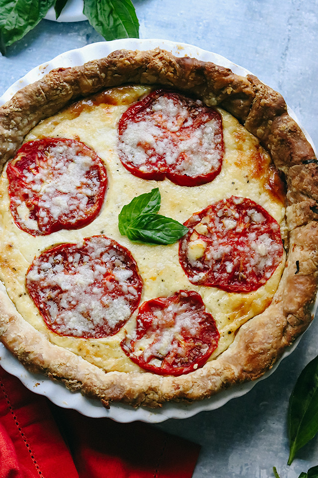 Herbed Tomato and Gruyere Pie