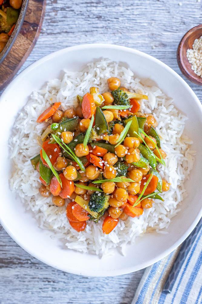 Honey garlic chickpeas and veggies over rice